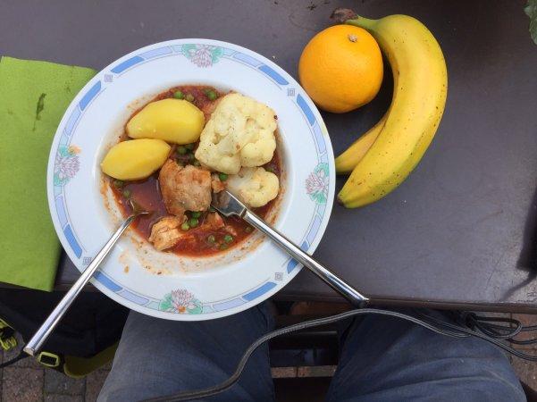 tom's free meal in Belgium (2)